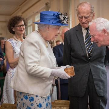Image: Queen Elizabeth II and Canada governor general David Johnston