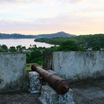 Image: A canon remains in the old 17th century Fort Belgica in Banda Neira