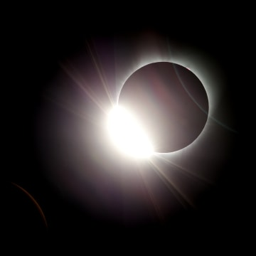 Image: Total solar eclipse