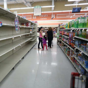 Image: Water is sold out at a grocery store as people prepare for Hurricane Irma