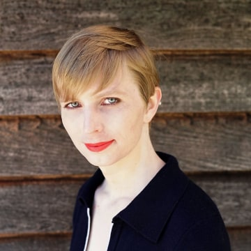 Image: Chelsea Manning's first photo after being releasedfrom prison