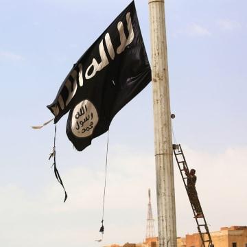 Image: TOPSHOT-SYRIA-CONFLICT-KURDS-TABQA