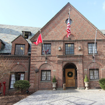 Image: Psi Upsilon fraternity house on west Campus of Cornell University.