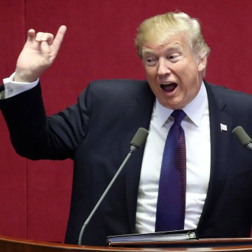 Image: President Donald Trump delivers a speech at the National Assembly in Seoul