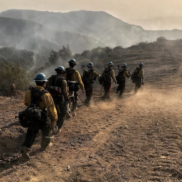 Image: Thomas fire continues to burn in California