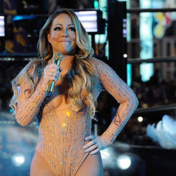 Image: Mariah Carey appears exasperated by the technical difficulties during her New Year's Eve