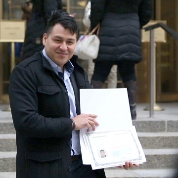 Image: Mario Barrientos at his naturalization ceremony