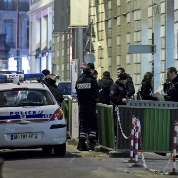 Image: Ritz Carlton hotel in Paris robbed