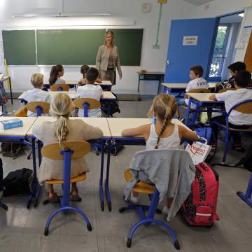Image: Schoolchildren in a class.
