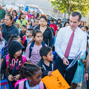 Image: Mayor Eric Garcetti marked International Walk to School Day by walking with families to a local elementary school campus on Oct. 4, 2017.