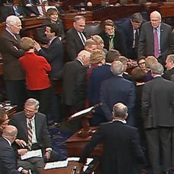 Image: Senate huddle