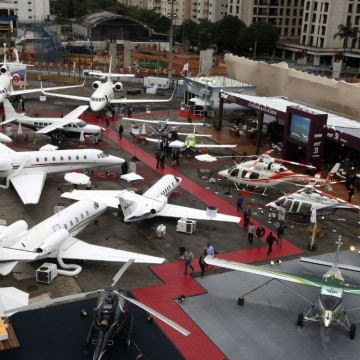 non-commercial aircrafts at LABACE