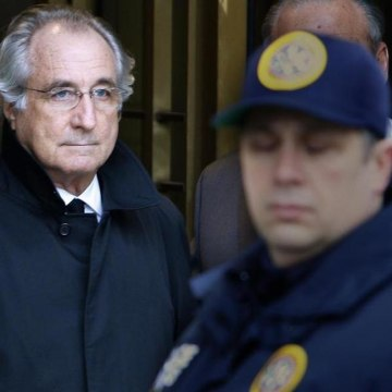 Authorities are investigating claims by Bernard Madoff, left, against JPMorgan Chase related to his Ponzi scheme.