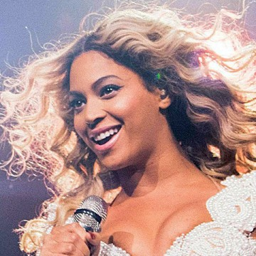 Beyoncé broke a record set by Taylor Swift with just three days of sales.