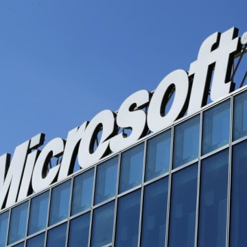 Microsoft says it expects to choose a new CEO in early 2014.
