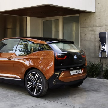 epa03699876 (HANDNOUT) A handout provided by BMW dated November 2012 made available on 14 May 2013 shows a BMW i3 Coupe concert car in Munich, Germ...