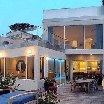 Image: Jim Carrey home sale