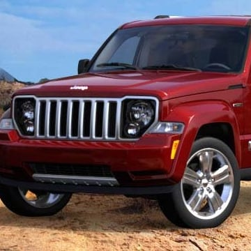 Jeep Liberty offers specialized pet travel gear, such as crates, carriers and a ramp.