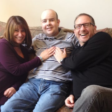 Alicia and Michael Stillman meet Dr. Guy Mulligan, who received a new heart after their 19-year-old daughter, Emily, died of a sudden meningitis infec...