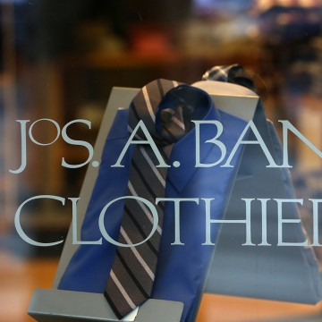 It's on. Just weeks after rejecting a bid from rival clothier Jos. A Bank, Men's Wearhouse has come back with an offer of its own.
