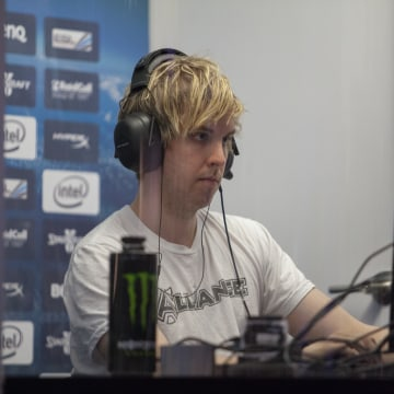 "NaNiwa, a Swedish player, delighted the audience when he made it into the finals — something fans admit is still rare for non-Korean ""StarCraft 2"" players to pull off."