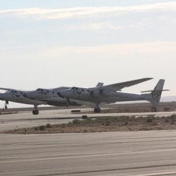 Image: SpaceShipTwo takeoff