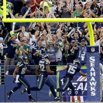 Seattle Seahawks fans cheer