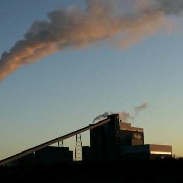The Obama administration unveiled new regulations setting strict limits on the amount of carbon pollution that can be generated by any new U.S. power ...