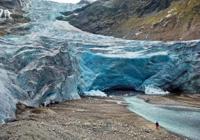 New Seafloor Atlas May Yield Key Insights into Planet's Imperiled Glaciers