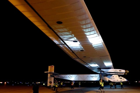 'Solar Impulse' Touches Down in Arizona After 16-Hour Flight