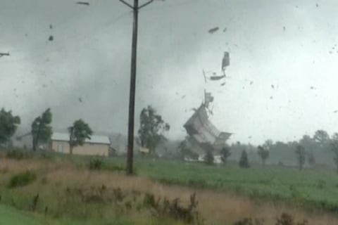 Watch Tornadoes Send Buildings Flying in Ohio
