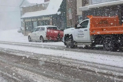 Dangerous winter weather grips part of US, causes deadly car pileup