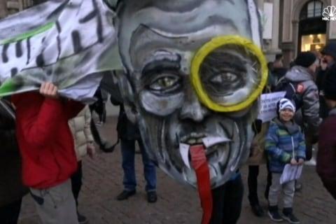 Anti-Establishment Protests on La Scala Opening Night