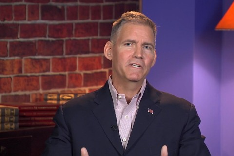 Watch Velshi and Ruhle Fact-Check Trump Advisor Brad Thomas on Live TV