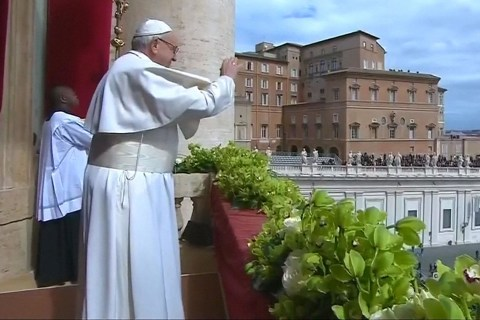 Pope Francis calls for peace around the world in Easter message