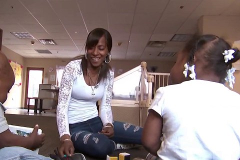 Chicago substance abuse recovery program keeps moms and kids together