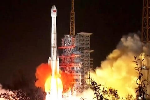 Chinese spacecraft aims to explore far side of moon