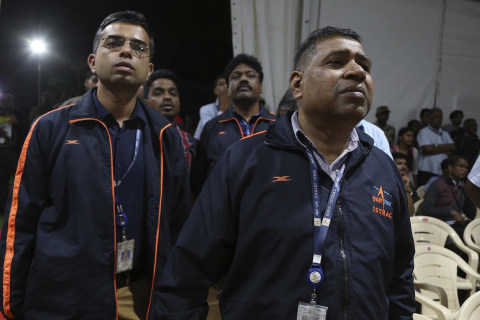 Watch India's space agency react after losing contact with craft