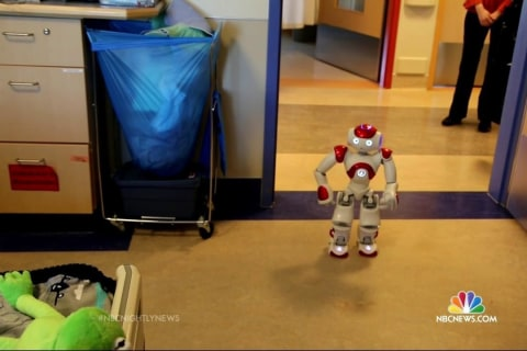 Robot Helps Children Through Difficult Days in Hospital