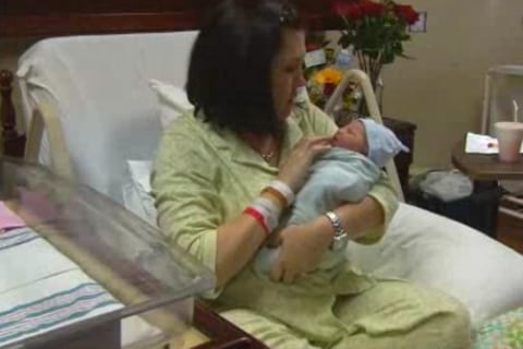 Trooper Helps Mom Deliver Baby in Car