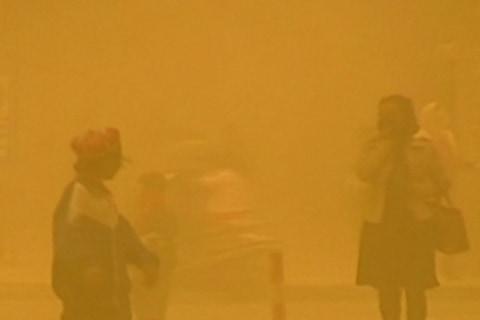 Sandstorm Sweeps Through China