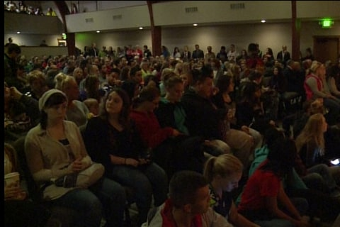 Marysville Students Hold Vigil for Victims of School Shooting