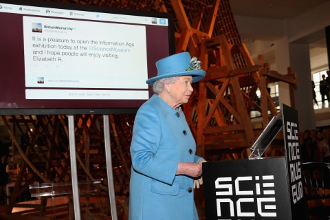 Watch Queen Elizabeth Send Her First Tweet