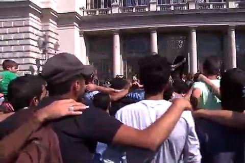 NBC's Claudio Lavanga Sees Migrants Lay Siege to Budapest Station