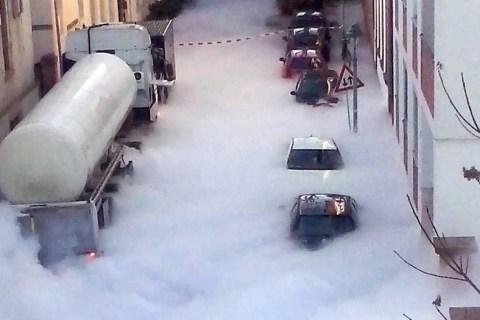 Walking in a Winter Wonderland? Gas Leak Shrouds Streets in Fog