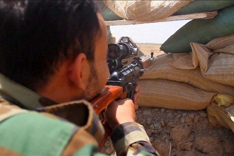 Sunni Tribesmen and Iraqi Military Battle ISIS for Ramadi