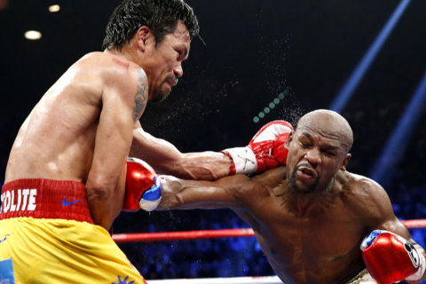 Mayweather Beats Pacquiao in 'Fight of the Century'