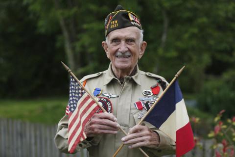 War Hero Dies Days After Celebrating D-Day Anniversary