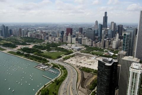 Two Dead, 31 Injured in Chicago Weekend Shootings