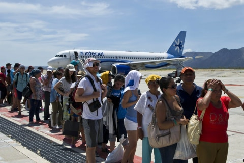 Hurricane Odile: Mexico Airlifts Stranded Tourists From Los Cabos